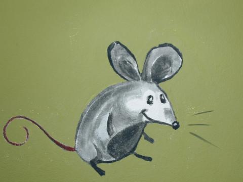 Maus oder Mäuschen auf Grün
